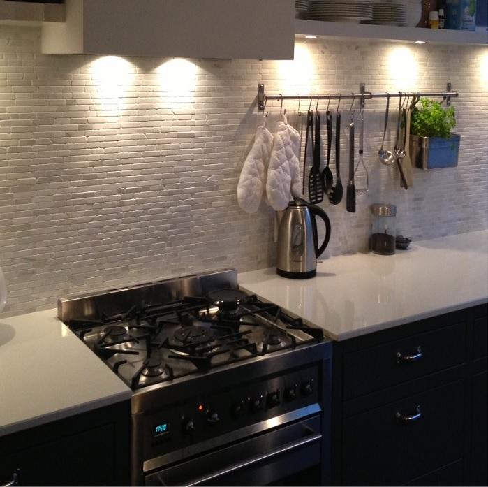 Keuken Tegels Wand : dat je tegels alleen neemt omdat ze praktisch zijn. Maak van je keuken