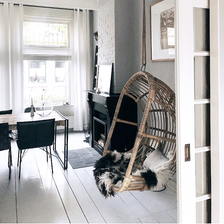 Hangstoel In Huis.Woontrend Rotan In Huis Verrassend Genoeg